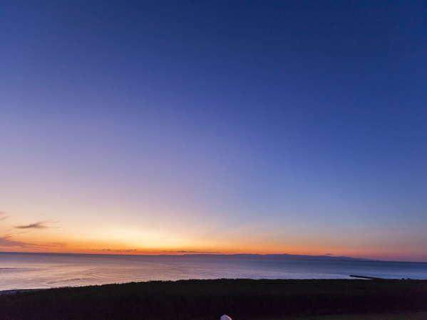 ホテル飛鳥から見える日本海の夕景