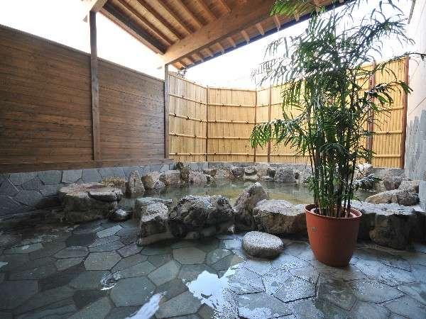 【柳川温泉ホテル 輝泉荘】旅の疲れを癒す天然温泉の沸き湯で、体の芯まで、お寛ぎ下さい。