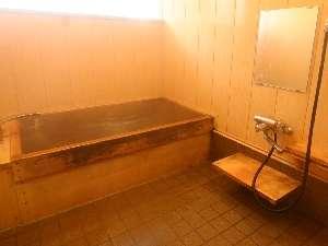貸切可能なヒバのお風呂