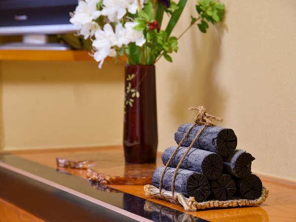 部屋設備 -日本一の炭の里より 飾り炭