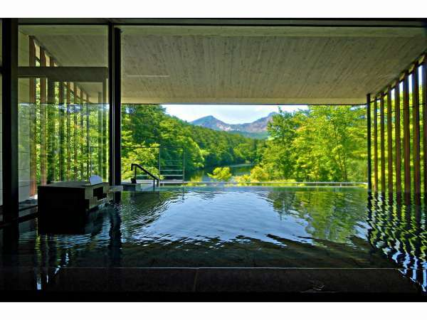 磐梯山の絶景を望む「展望露天風呂 四季の湯」