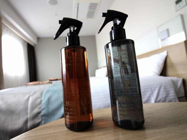 消臭剤「清水香」嫌なにおいをスッキリ消臭!左:フローラルフルーティ右:無香料