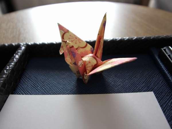 折り鶴がお出迎え♪