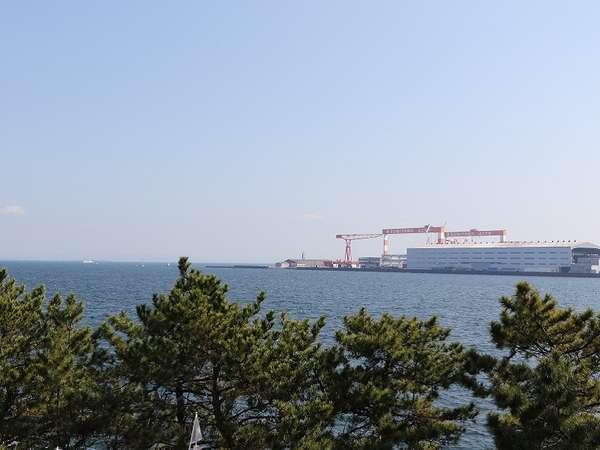 【海側客室からの眺め】のんびりと海を眺めながらおくつろぎください♪