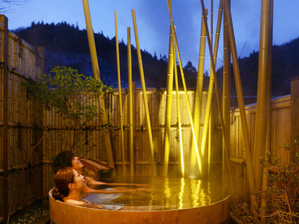 【【四万温泉 柏屋旅館】 3種の貸切露天風呂が無料で楽しめる宿】2021年3月リニューアルの宿。チェックアウト12時でのんびりと。