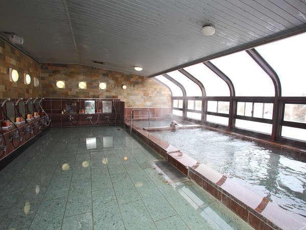 大浴場は疲れを癒すジャグジーとジェットバスを完備。