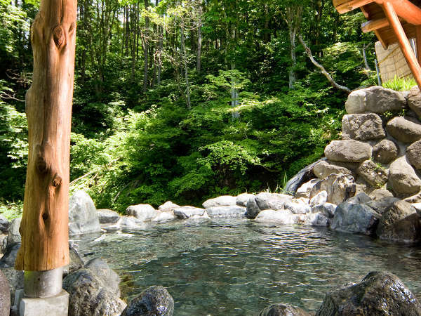 離れの高台にある絶景露天風呂