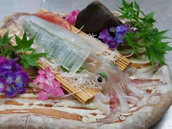 【心をほどく体験と心が躍る蟹と魚 海辺のうまし宿・とト屋】時を忘れ、生まれ変われる旅。とト屋はもう一つの家「龍宮の里」へ