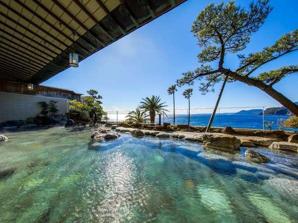 【海を望む露天風呂】2つの源泉から涌き出でる天然温泉