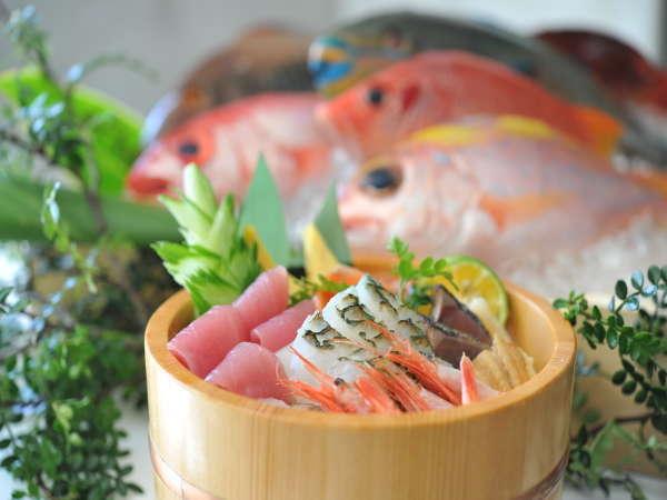 石垣島初の海鮮丼