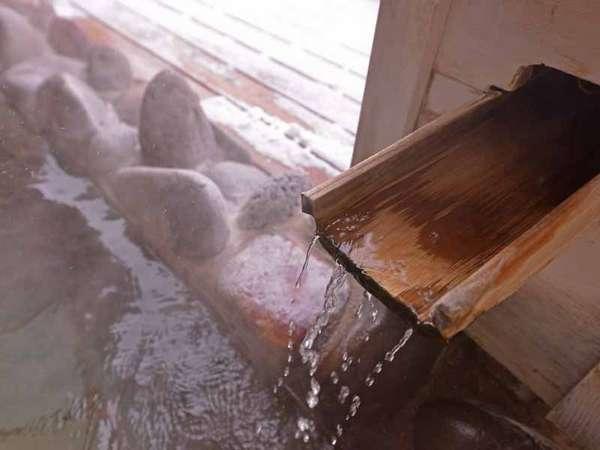 *女性用大浴場/露天風呂のお湯は、岩手山からの地下深層水を使った沸かし湯。