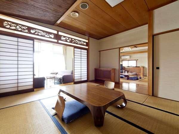 【和室特別室】12畳+8畳+広縁の広い角のお部屋。ベランダ眺望有
