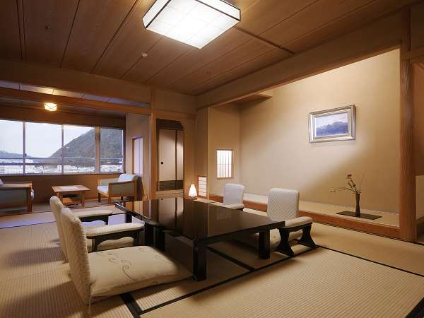 【臨川閣 和室一例】12.5畳+バルコニー・室内には高野槙の温泉風呂付でお部屋重視のお客様におすすめ