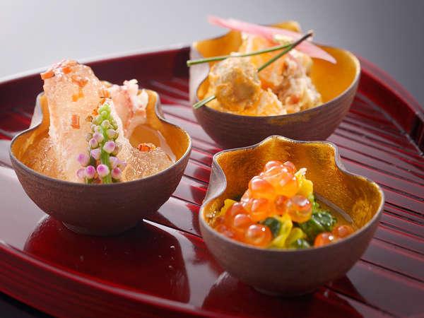 【お部屋食】旬の食材を使った料理長こだわりのお料理(一例)