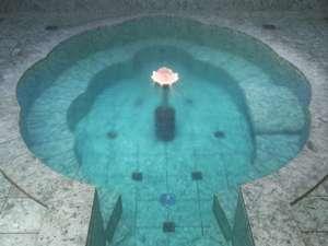 楊貴妃のお風呂。青の切石で出来ていますので、温泉が青く見えます。
