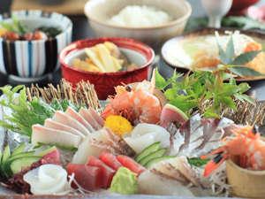 当館から車で15分、仙崎港で獲れた魚介の数々