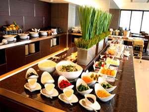 ホテル最上フロア54階「スターゲイト」の和洋折衷ブッフェ♪おいしい景色とお食事をどうぞ!
