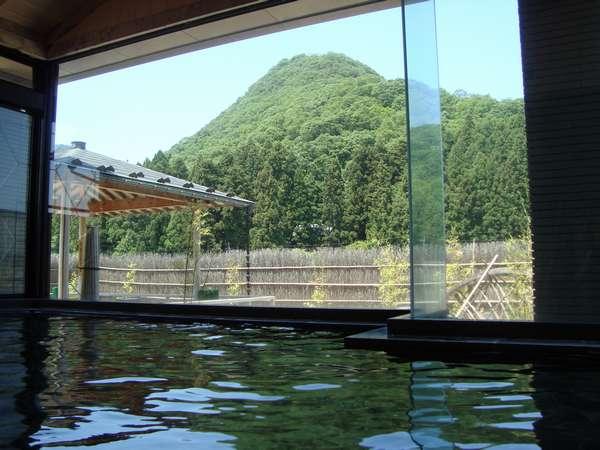 ■温泉■岩室富士を望む大浴場