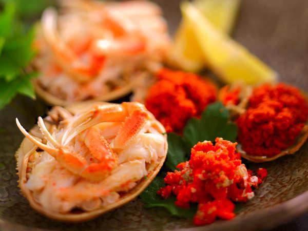 職人が厳選した自慢の蟹を、一番美味しく召し上がっていただくために、一番美しく調理してお出ししています