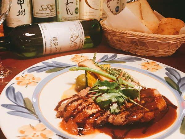 【カジュアルフレンチプラン】料理一例 富士桜ポークのポワレ