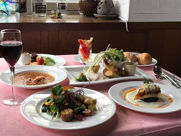 那須の地元食材とうれしい野菜が満載のコース料理です