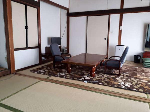 【松原旅館】創業80年家族経営の旅館です。源泉かけ流しの貸切風呂あり