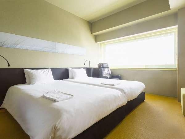 【ツイン】一例 バスタブあり・ベッド 110cm×200cm×2台