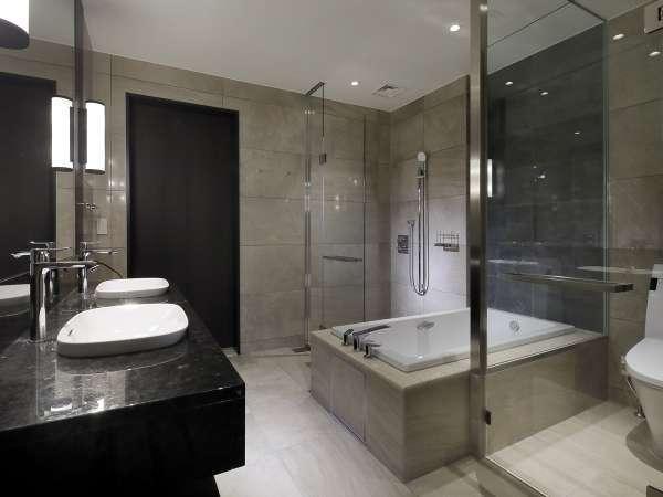 【スイート1405室のバスルーム】デザインにこだわったバスルームでございます。