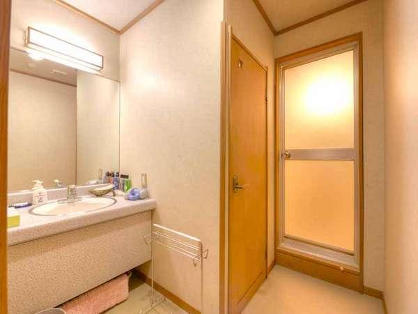 *和室10畳(客室一例)/ゆったり広々とした洗面スペース。