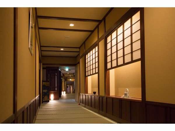 館内は畳造りの和空間。