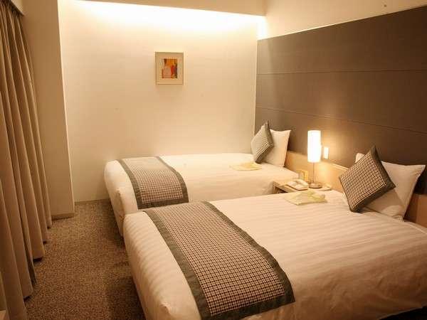 ツインルーム「世界のベッド」と称されるシモンズ社製