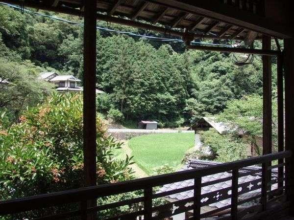 【小薮温泉】山間にある静かな一軒宿。