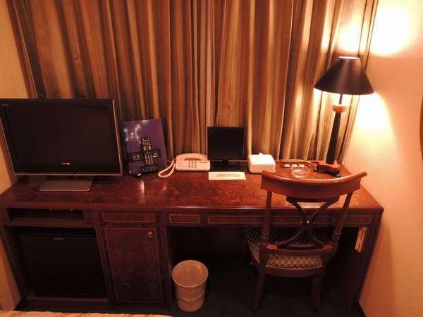 【TOSHIBA REGZA】全室地デジ対応テレビを設置。