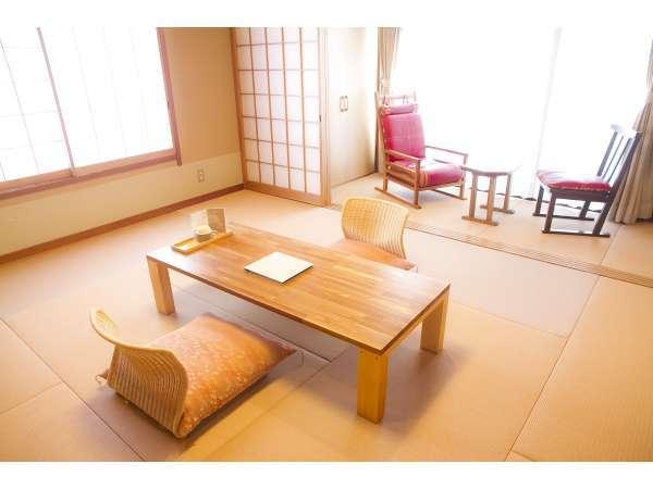 10畳スタンダードと檜風呂付ルームの写真一例。ゆったりとお過ごしいただけます