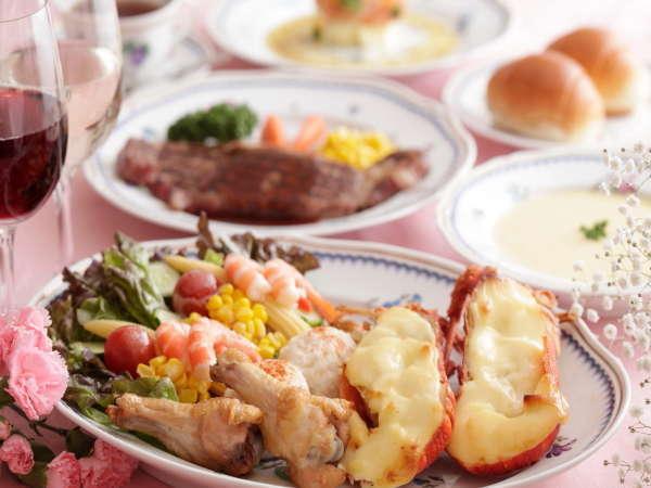ゴージャスなロブスターのオードブルも魅力!しかもステーキ食べ放題!