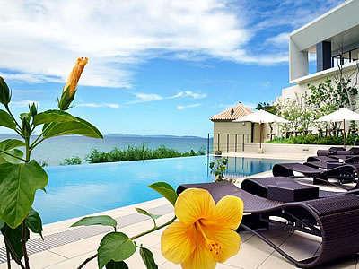 ようこそ夢の島、恋の島、瀬長島へ♪透き通った美しい海景色に心も身体も癒されてください。