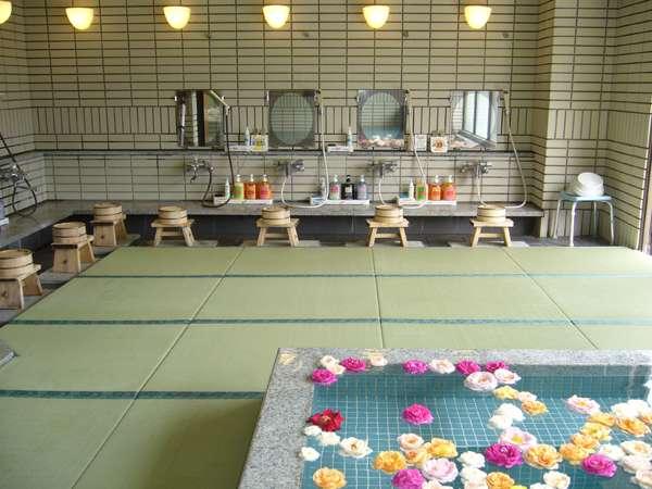 温泉のご利用は、提携旅館「木曽屋」大浴場をご利用下さい(バラ風呂は昼3時から夜10頃まで)