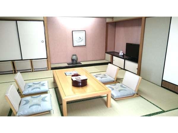 角部屋和洋室(写真は12畳の和室)ゆったりとした時間をお過ごしください。