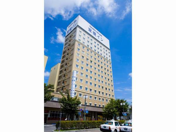 ホテル外観★JR弘前駅正面口からすぐ見えます!
