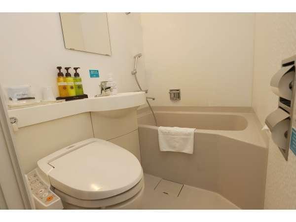 【バスルーム】 シャワーカーテンがついております。