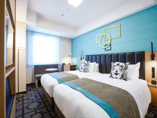 【スタンダードツインルーム】21.7~23.3㎡。ワイドシングルサイズで、ゆったり眠れるベッド2台。