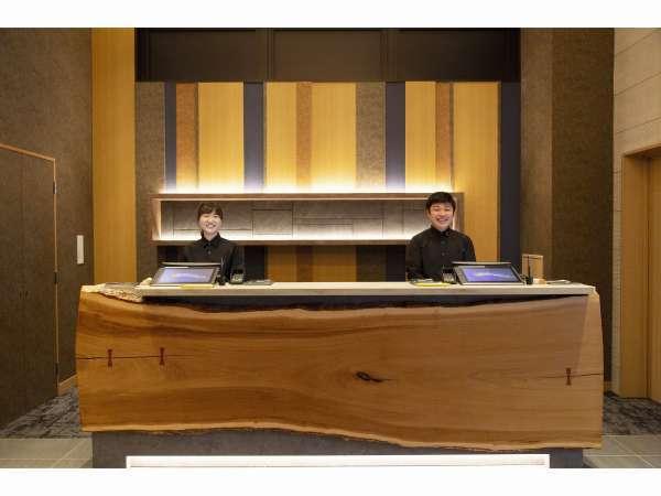 【ホテルヒラリーズ心斎橋 フロント】大阪観光・周辺案内の際はフロントまでお越しください*