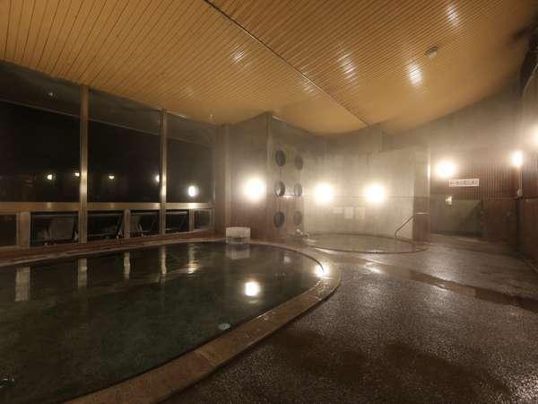 天然温泉、薬湯、海水露天風呂の三種類を楽しめます