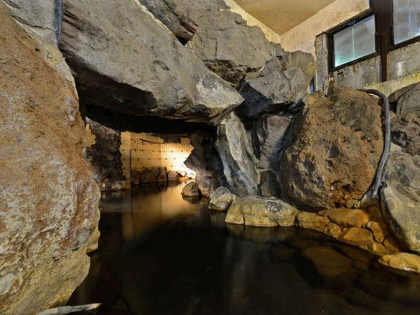 *【洞窟風呂/男湯】蒸し風呂のような効果も得られます♪