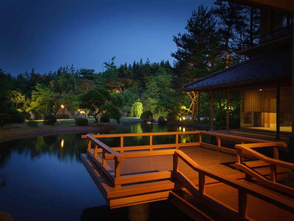 料亭「四季亭」から見る日本庭園