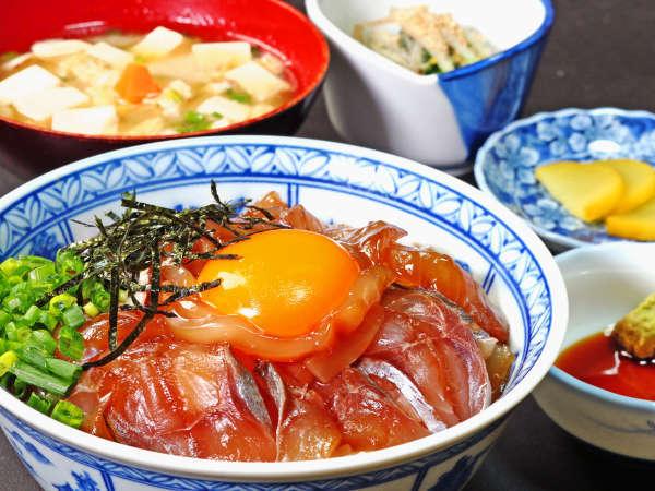 漁師宿特製・海鮮漬け丼がたまんない 大盛りサービス