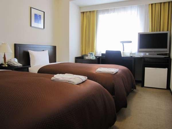 約19㎡の客室、32インチ液晶TV、ベッドも最高級をご用意。