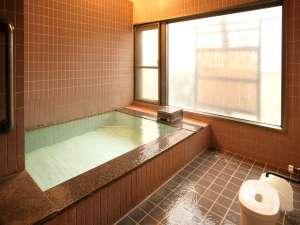 「極楽の湯」 2ヶ所の貸切風呂はもちろんかけ流し100%