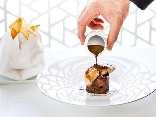 パリの一流ホテルの友人シェフ直伝の料理は、お客様への感謝の気持ちです。