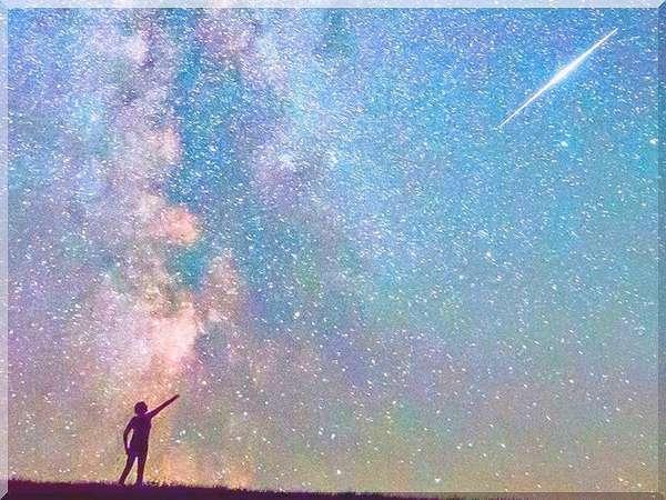遙かな時を駆け抜けた宙の使者が、今あなたの指先にそっと触れた。